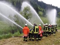 Maschinisten Proben den Umgang mit Wasserpumpen
